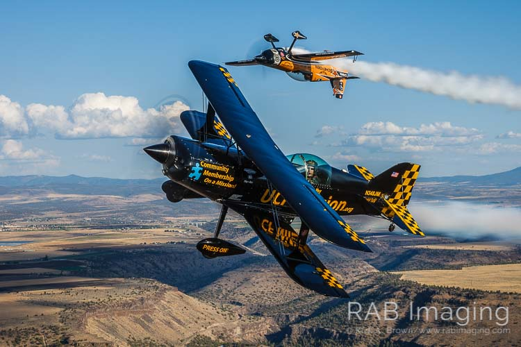 While at Madras A2A X, we had the thrill of flying with Super Dave Mathieson and Jon Melby Airshows.