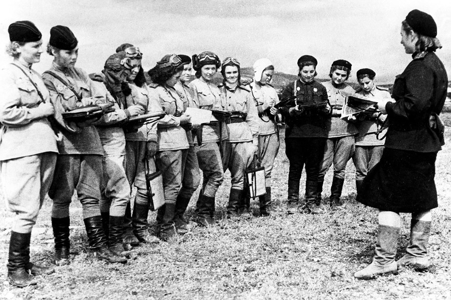 The Little-Known Story of the Night Witches, an All-Female Force in WWII