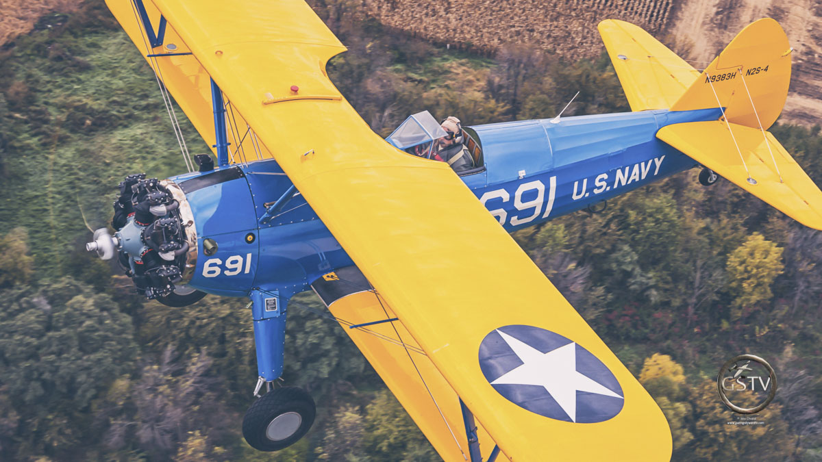 ✈️Top down biplane closeup👌