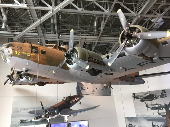 The National WWII Museum: My Gal Sal (B-17)