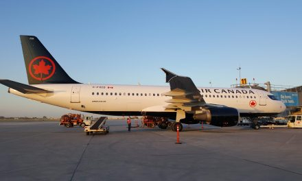This is the first A320 I've seen in Air Canada's new paint scheme.