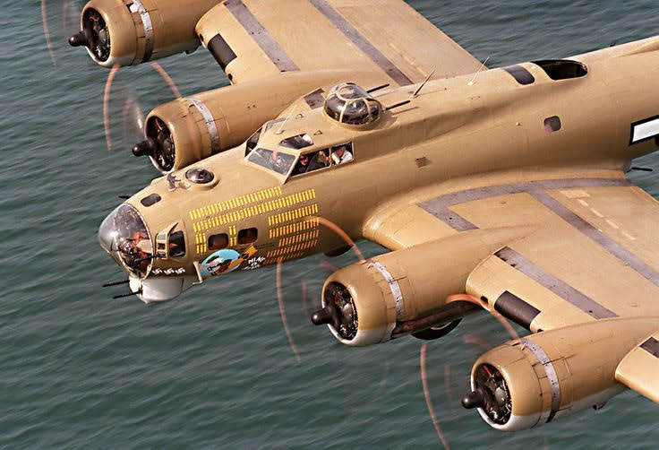 The Boeing B-17G Flying Fortress -909-