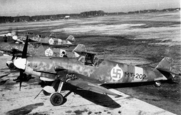 Finnish Messchersmitt Bf-109 G-2s.