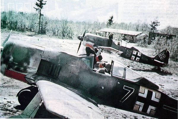 A collection of colour images of my favourite WW2 German fighter- the Focke-Wulf Fw-190.