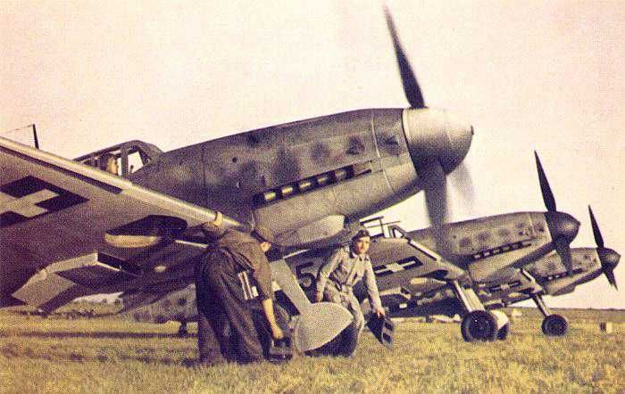 A collection of colour photographs of the Messerschmitt Bf-109 in Hungarian service.