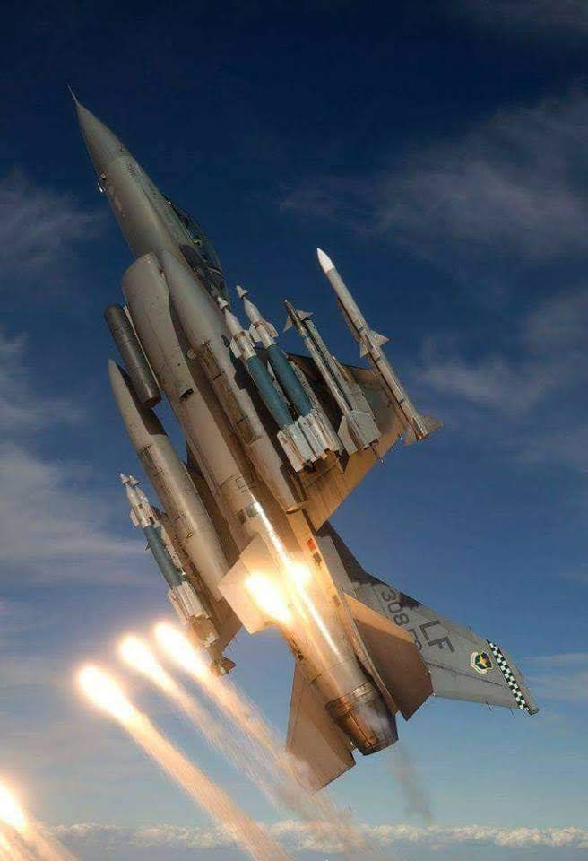 F-16 launching flares…