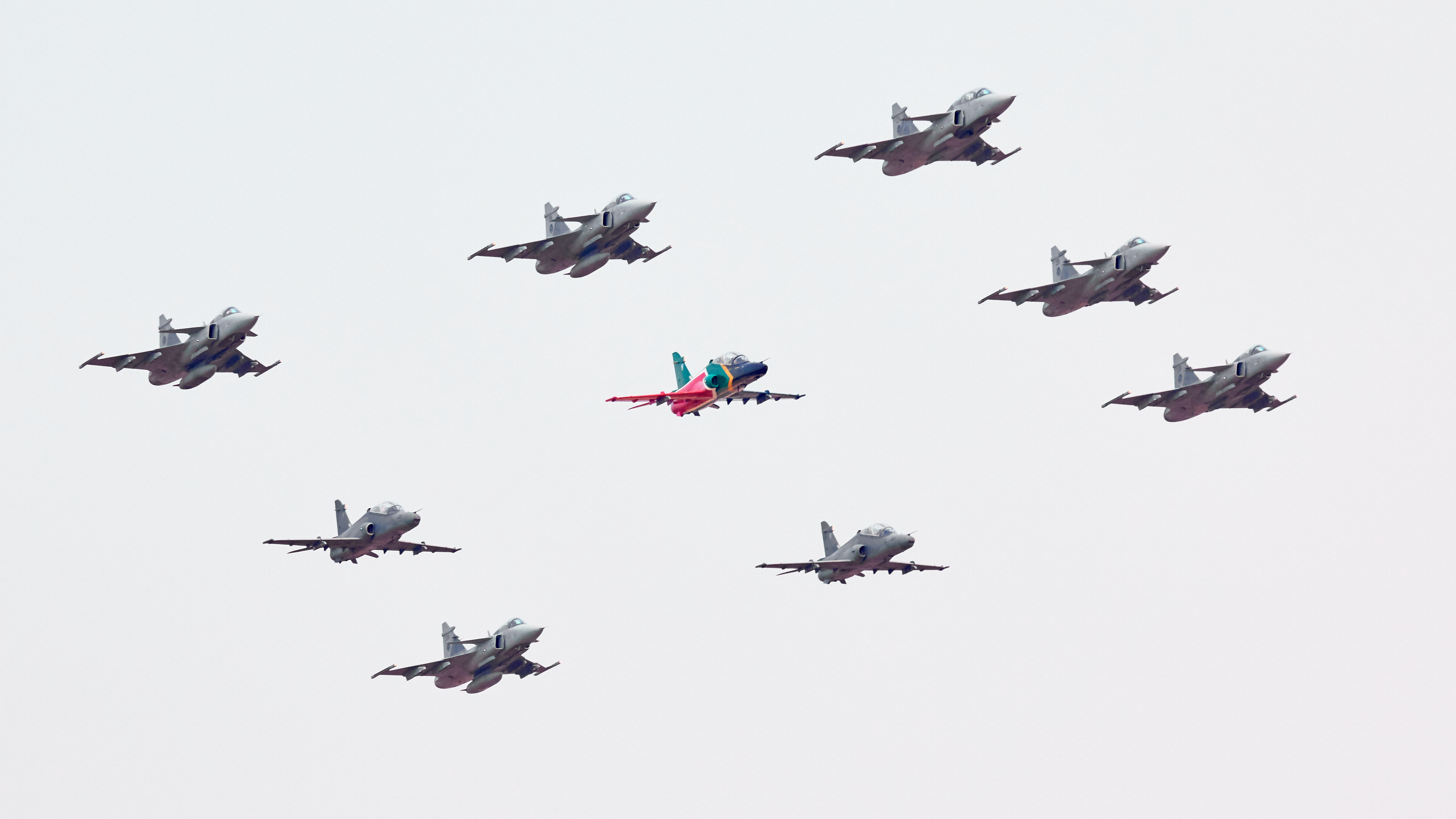 And this is how AAD 2018 got underway, apparently the largest SAAB Gripen formation ever on public display in South…
