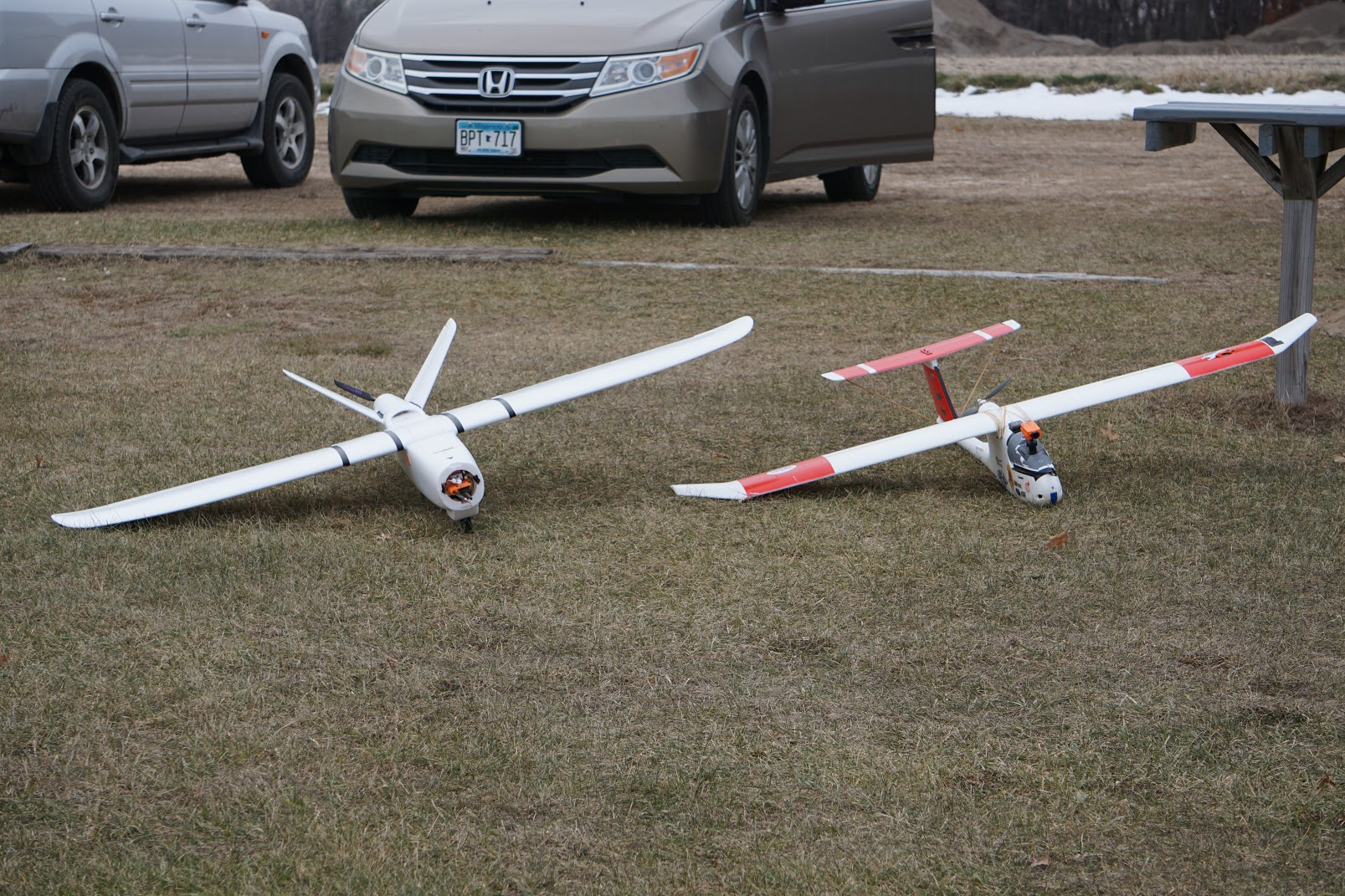 Here is my brand new XUAV Talon (V tail) next to my battle tested skywalker (T tail).