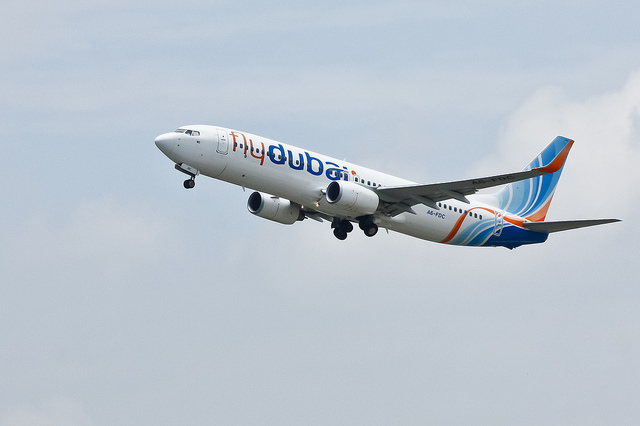 Flydubai A6-FDC closing its landing gear after taking off from VGZR.